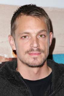 Joel Kinnaman photo 8