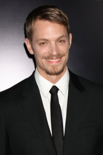 Joel Kinnaman photo 1