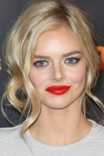 Samara Weaving photo 1