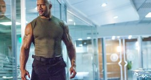 Hobbs and Shaw : Dwayne Johnson rugit sur une nouvelle photo du film.